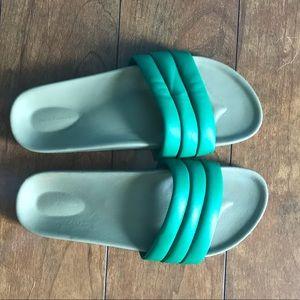 Shoes - Beatrice Valenzuela Emerald Classic Sandals
